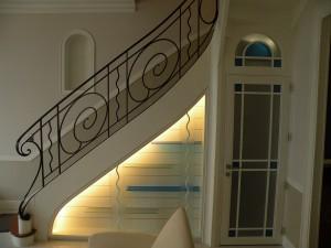 mtpm-realisation-maison-escalier-blanc-foucher-metallerie